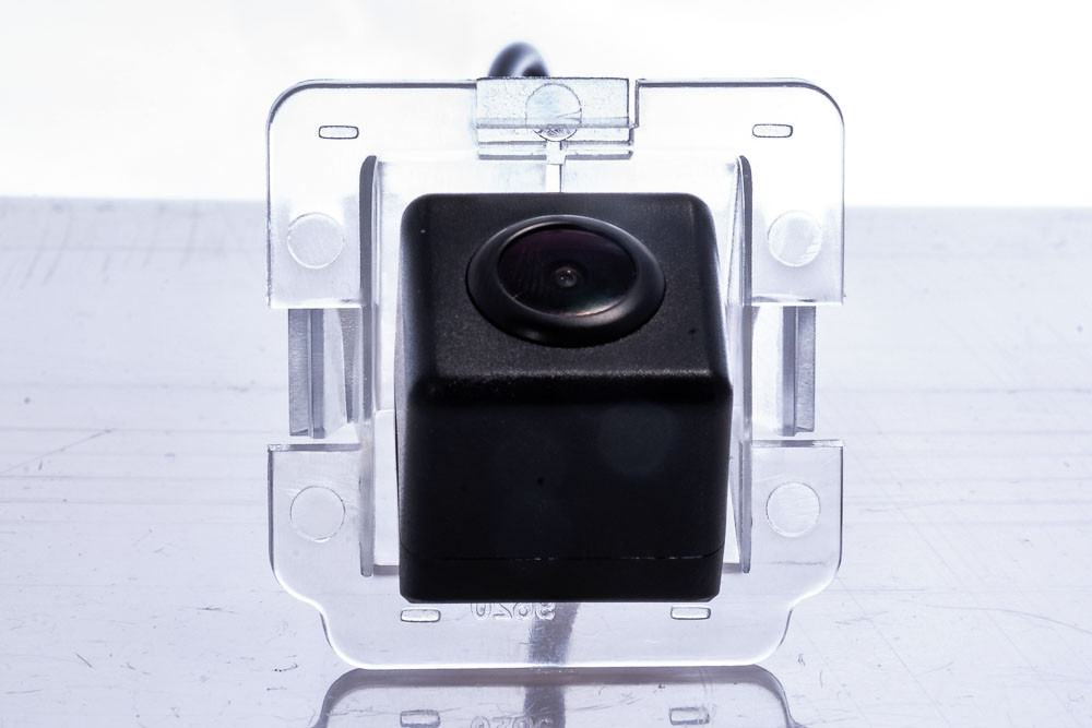 Камера заднього виду Fighter CS-HCCD+FM-37 Mitsubishi (3869417)