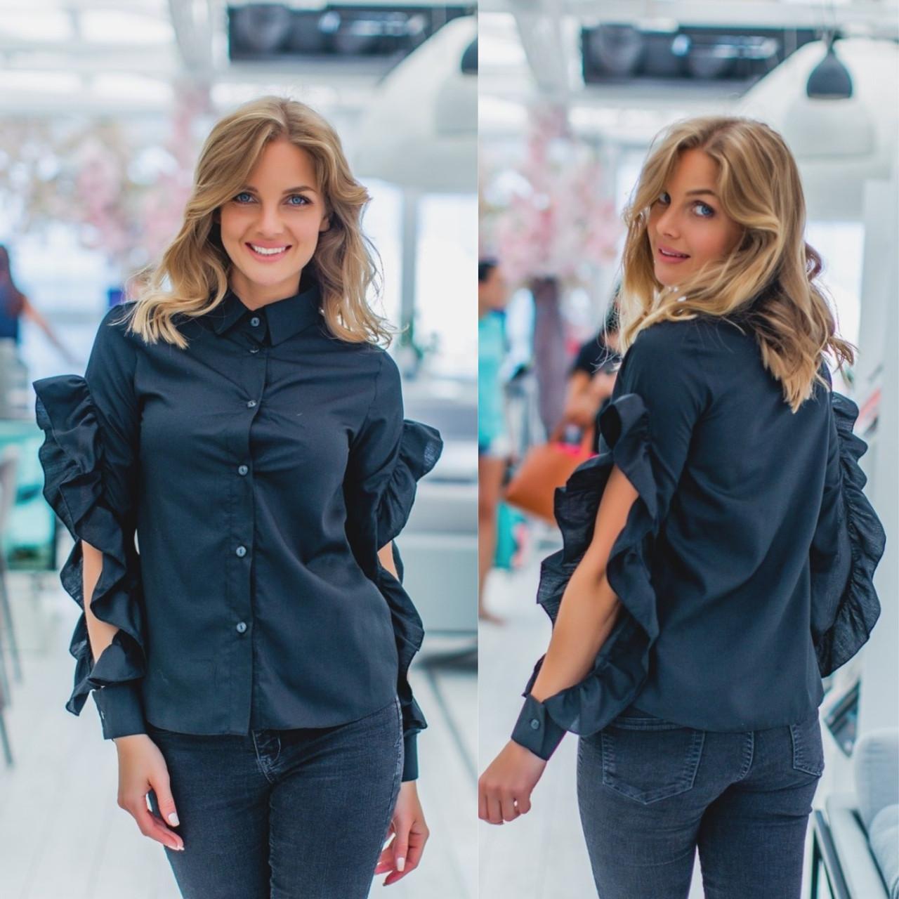 Оригинальная женская рубашка черного цвета с эффектными воланами на рукавах