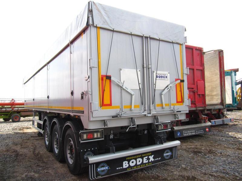 Накидка на полуприцеп зерновоз самосвал из ПВХ ткани - Германия 680 г/м2., грузовиков с открытым кузовом