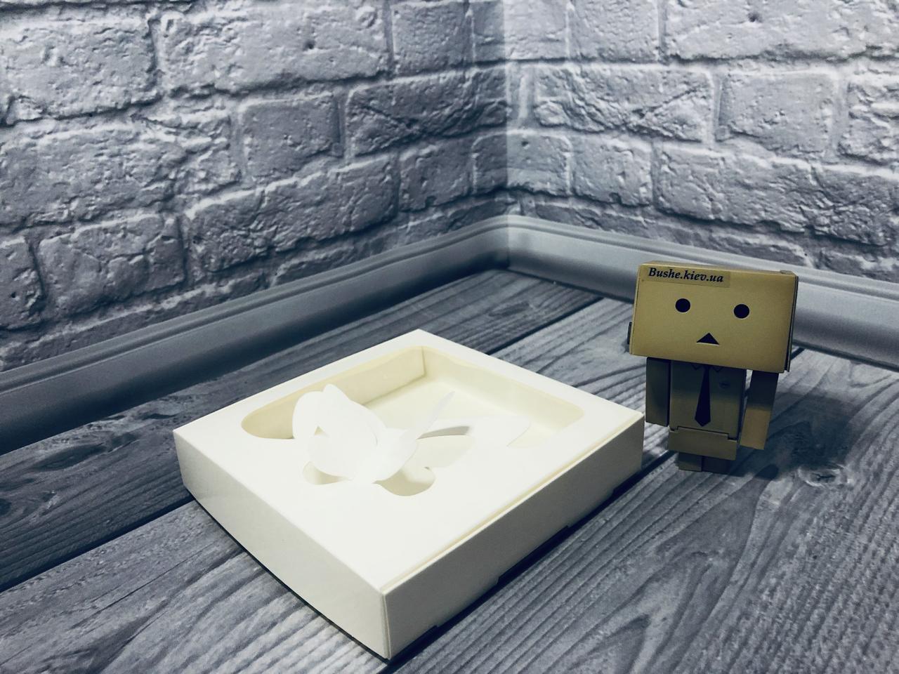 Коробка для пряников / 150х150х30 мм / Молочн / окно-Бабочка