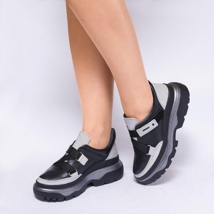 Кроссовки с ремешками 930-09