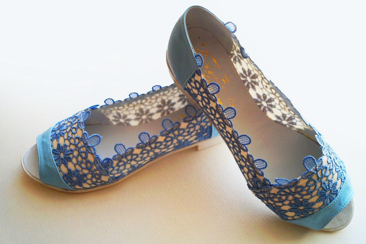 Балетки с открытым носком из эко-кожи. Подошва: черная и белая. Разные расцветки. Размеры: 36-42,  код 4598О
