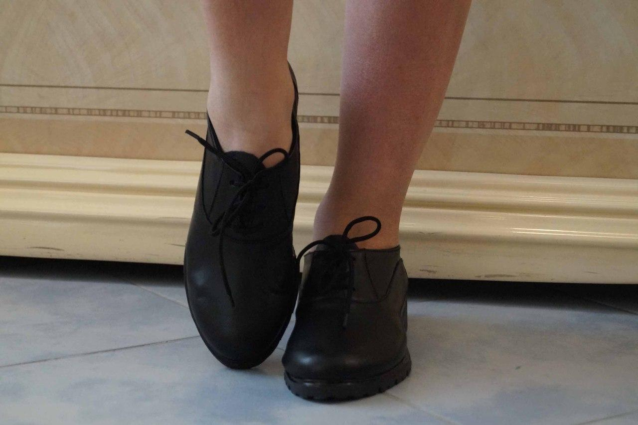 Туфли кожаные. Подошва: черная и белая. Разные расцветки. Размеры: 36-42,  код 4603О