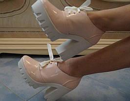 Туфлі жіночі на підборах еко лак. Підошва: чорна та біла. Різні забарвлення. Розміри: 36-42, код 4610О