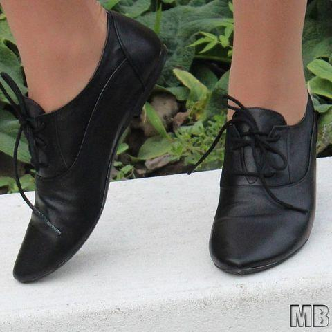 Туфли женские на шнурках кожаные. Подошва: черная и белая. Разные расцветки. Размеры: 36-42, код 4611О
