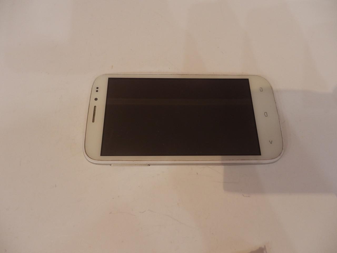 Мобильный телефон Fly iq4404 №6837