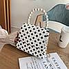 Маленькая женская сумка JingPin в горошек с ручкой из жемчуга белая