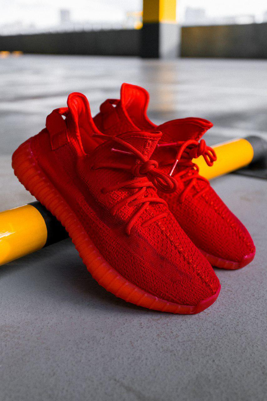 more photos ae84c d4707 Женские кроссовки Adidas Yeezy Boost 350 V2 red