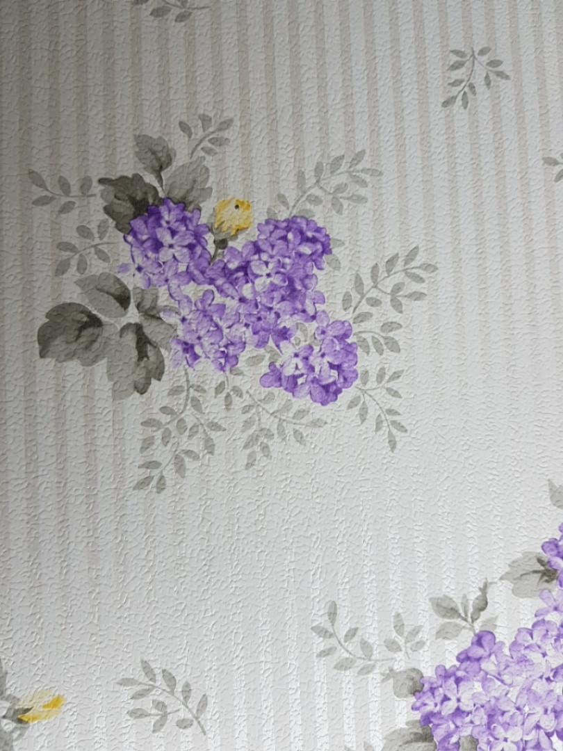 Обои виниловые на флизелине Petite Fleur 4 Rasch Texti 288932 цветы сирень на белом фоне