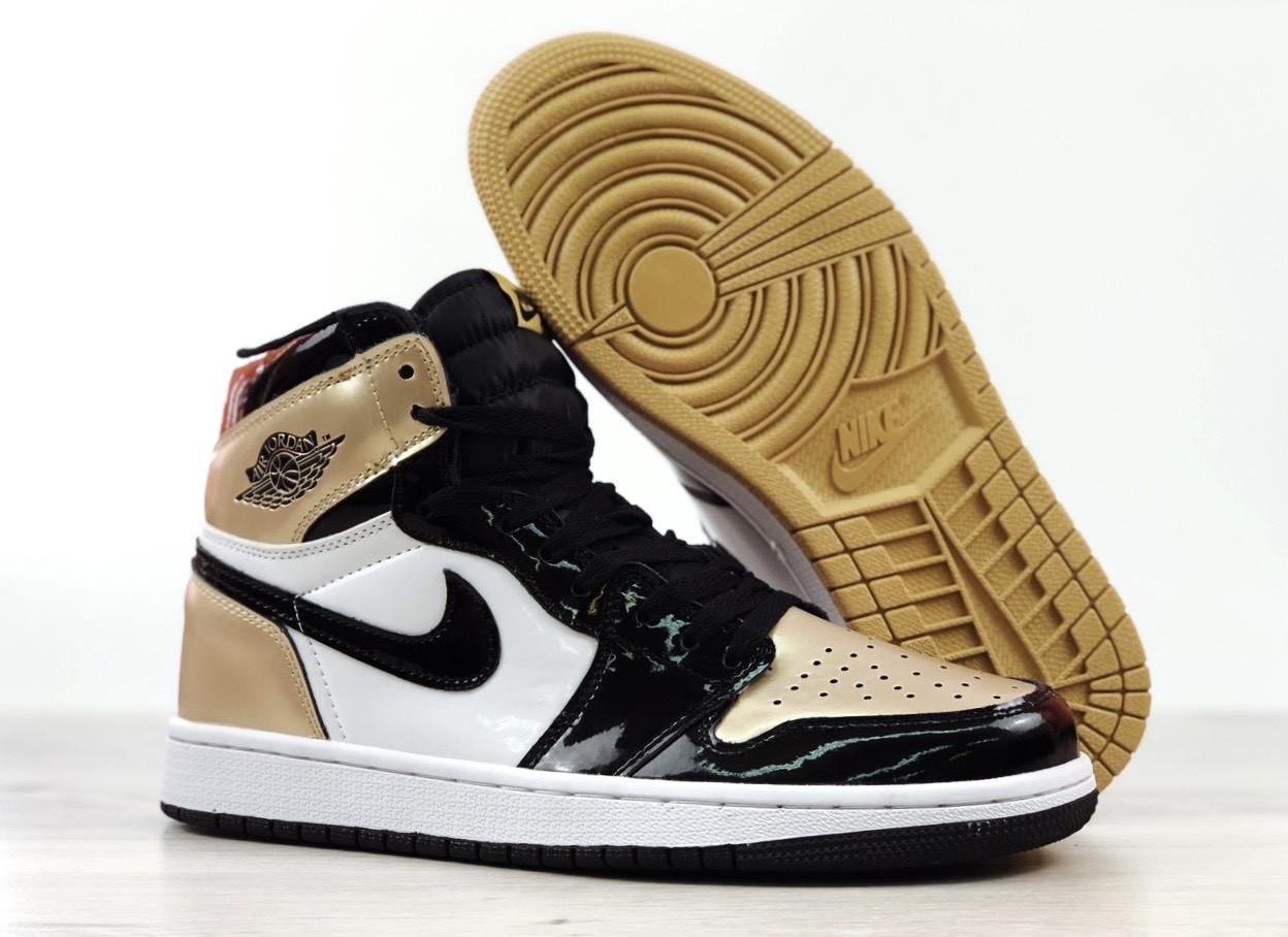 Мужские кроссовки Nike Air Jordan 1 Retro High, черно-белые с золотым