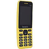 Телефон мобильный кнопочный в изогнутом корпусе бананофон на 2 сим карты Bravis C246 Fruit желтый, фото 2