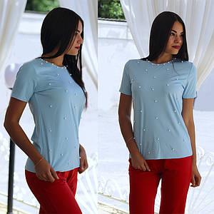 Женская стильная футболка с бусинами