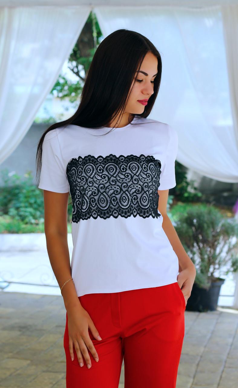 Женская стильная футболка с кружевом