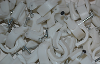 Скоба круглая для кабеля d9