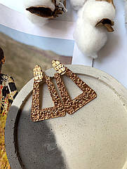 Красивые крупные женские серьги золото треугольные большие