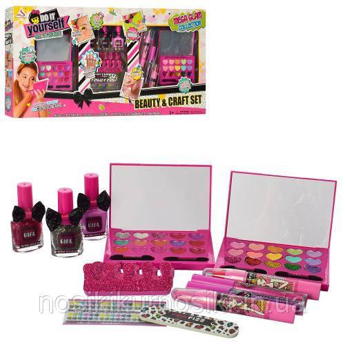 Большой игровой набор детской косметики - набор для маникюра, тени, блеск, помада