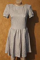 Нарядное платье из жаккарда, р. 46 беж