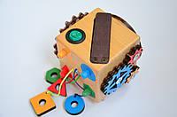 Бізікубик з вимикачем, сортером, липучкою (розвиток мілкої моторики) для дітей від 1 року, розмір 70/70 мм