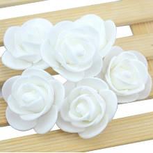 Набор белых  цветочков - в наборе 48-50шт., размер одного цветка около 3см, пена