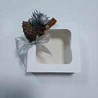 Коробка белая для подарков 90х90х35 мм. с новогодним декором