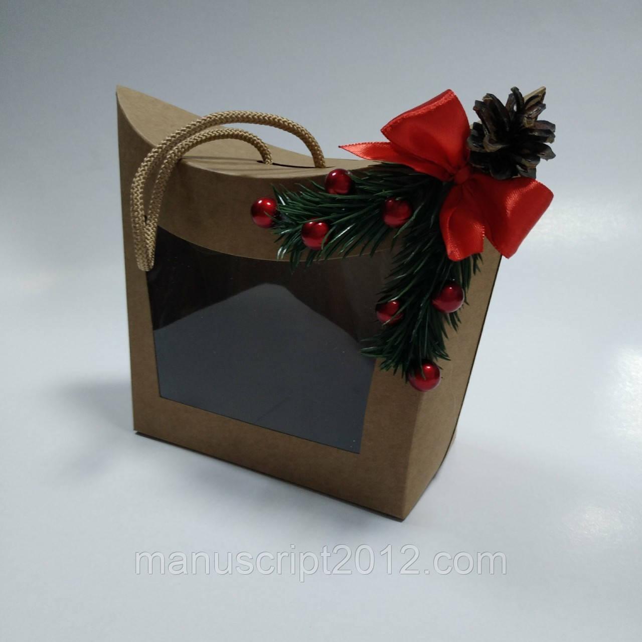 Коробка крафт подарочная с окном и новогодним декором