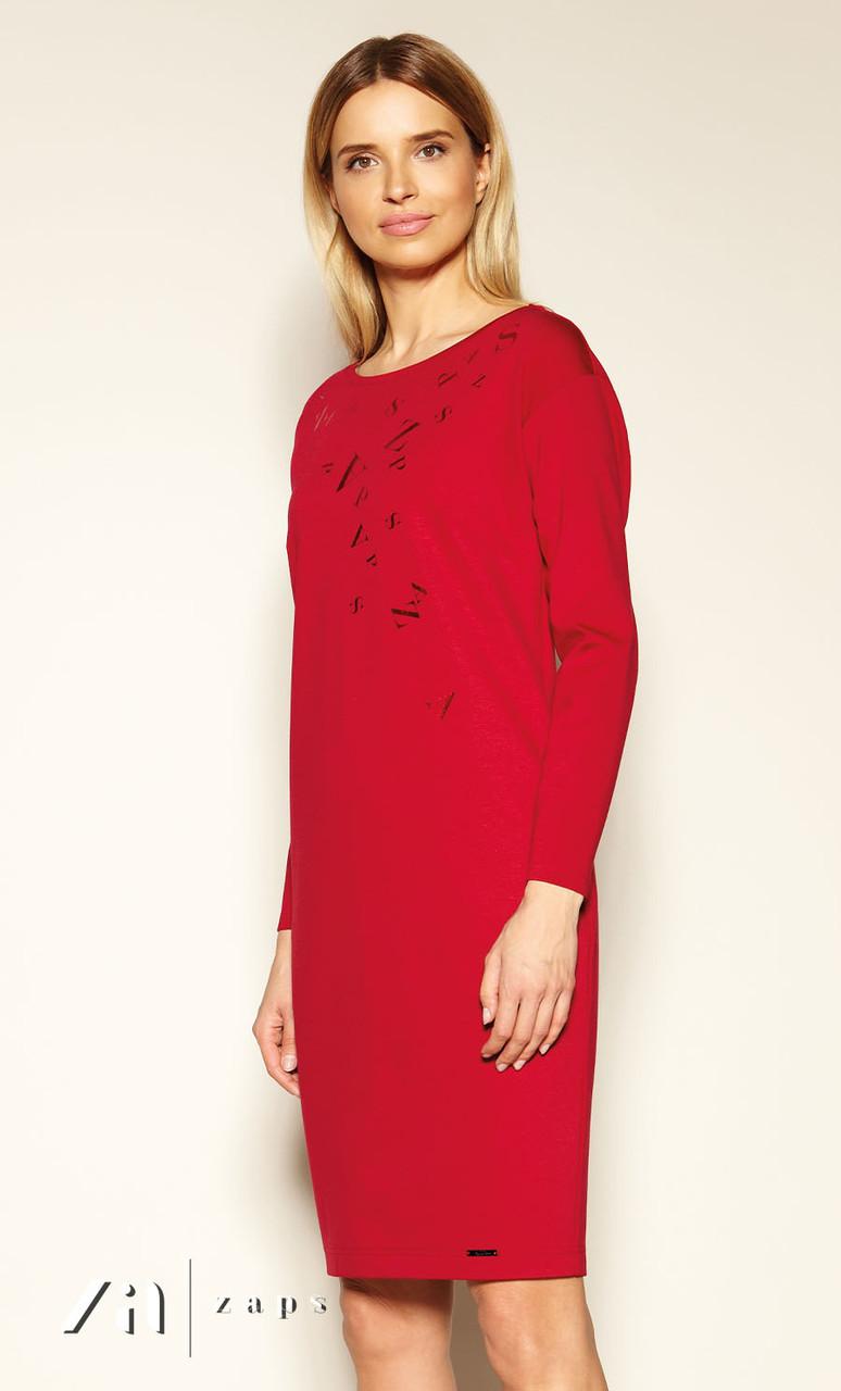 Женское трикотажное платье-футляр красного цвета. Модель Patty Zaps.