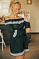 Льняной женский комбинезон изумрудного цвета
