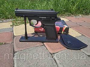 Зажигалка пистолет в кобуре на подставке Makarova cz83