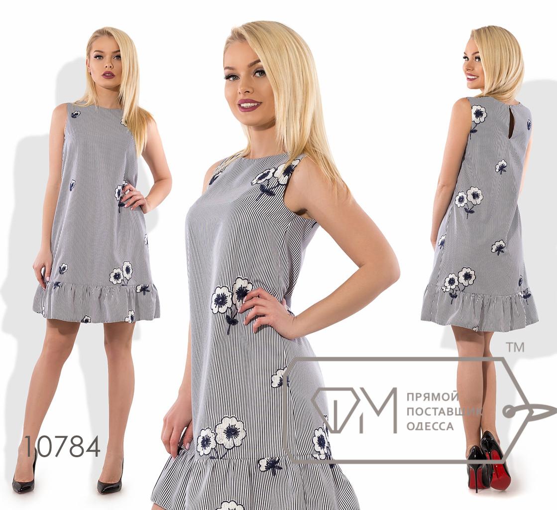 Платье-трапеция мини из коттона с вышивкой без рукавов с ювелирным вырезом и оборкой на юбке 10784