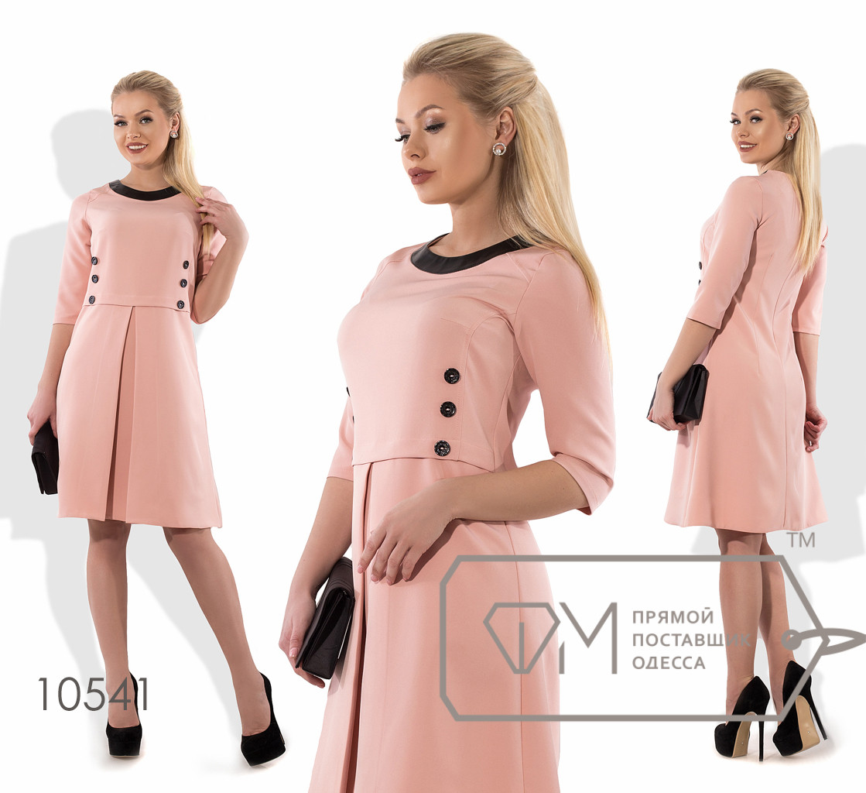 Платье-трапеция мини в стиле шанель из костюмки с контрастной двубортной отделкой лифа, окантовкой круглого выреза и веерной складкой на переде 10541