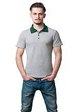 Мужская футболка-поло классического кроя, изюминкой модели являются отложной воротник и пуговки контрастного з