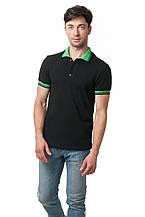 Мужская футболка-поло классического кроя, декором модели являются отложной воротник и манжеты рукавов зеленого цвета, черная