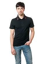 Однотонная мужская футболка-поло классического кроя, освежает модель красная полосочка на вороте, черная