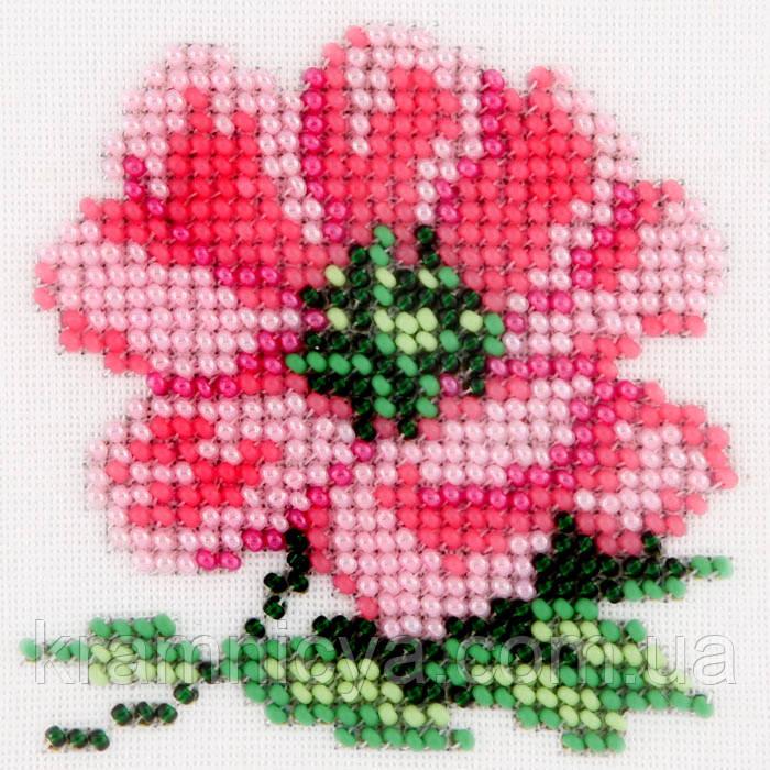 Цветок Анемон. Вышивание бисером на канве 11х11cм.