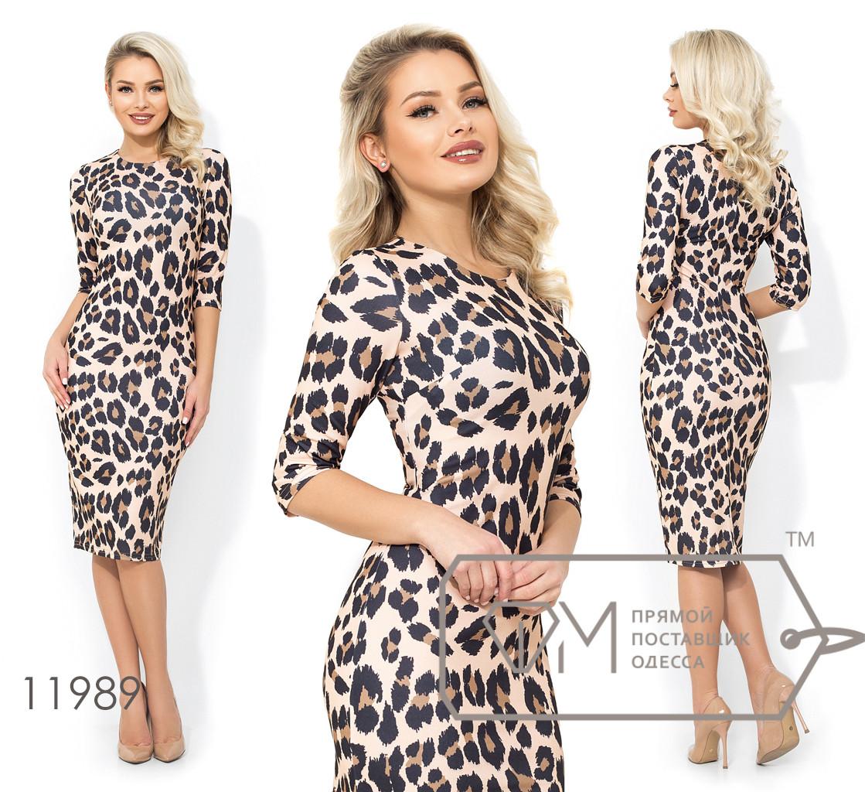 Платье-футляр из креп дайвинга с леопардовым принтом, рукавами 3/4 и разрезом сзади 11989