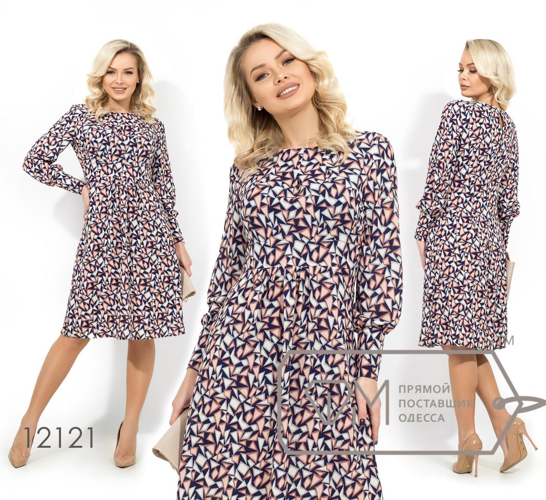 Платье до колена отрезное по талии из стрейч креп шифона с защипами у горловины и широкими манжетами на пуговках 12121