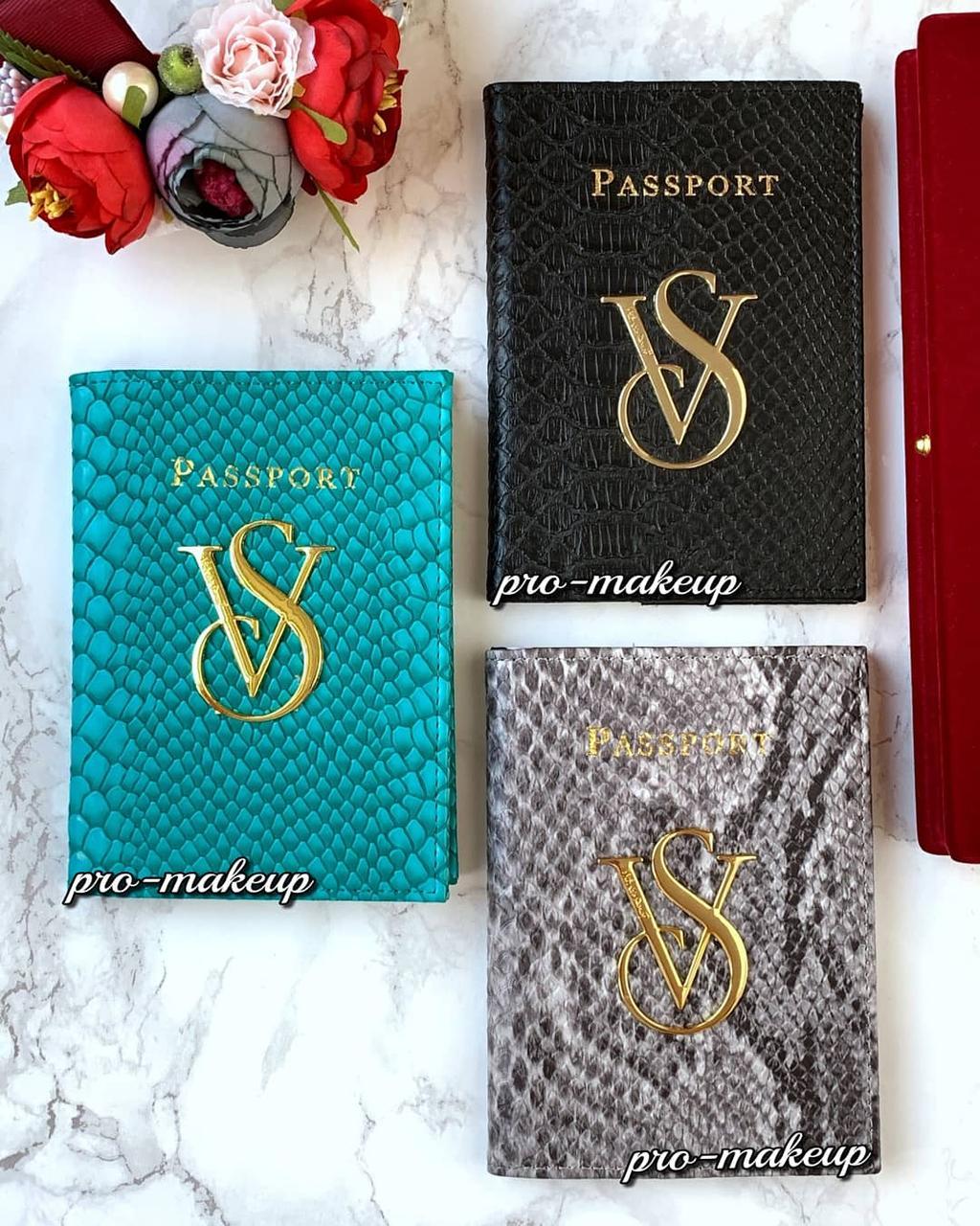 Обложка для паспорта Victoria's Secret Python Skin (кожа питона)