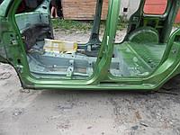 Порог левый (Универсал) Renault Kangoo II new 08-12 (Рено Кенго 2), 7751478341
