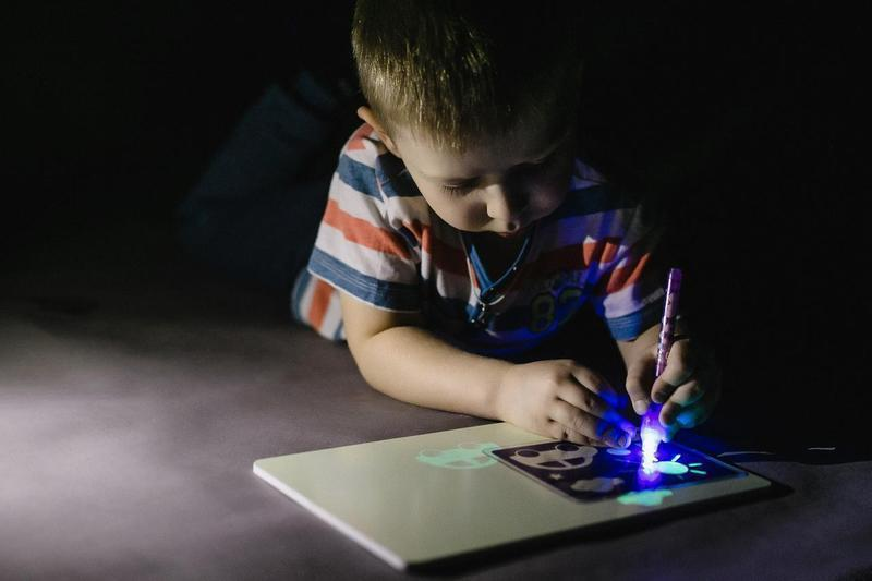 """Набор для рисования в темноте """"Рисуй светом"""" A5 YG3503 + ручка A4"""