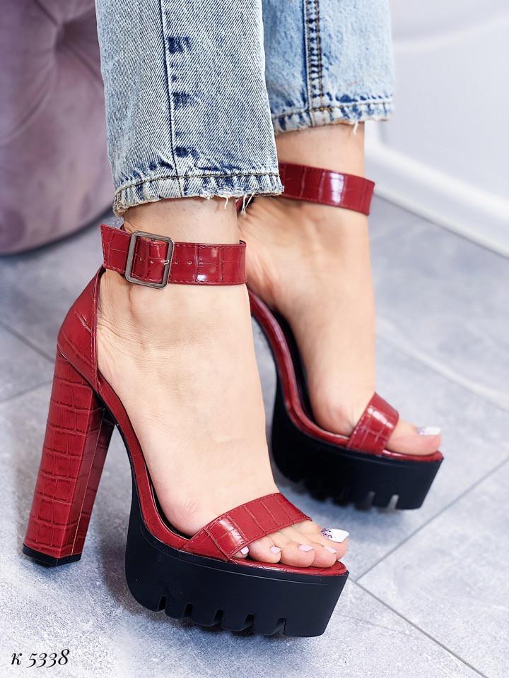 Босоножки женские красные на каблуке 14 см эко- кожа питон