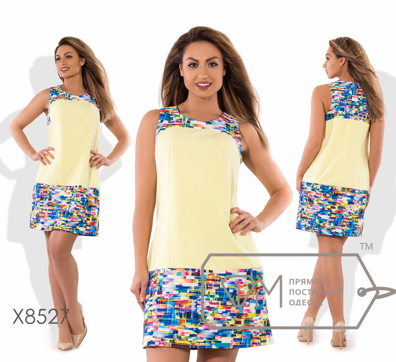 """Платье мини-шифт, без рукавов из плательного крепа  с вырезом  """"упряжка"""" низкой талией и ярким принтом X8527"""