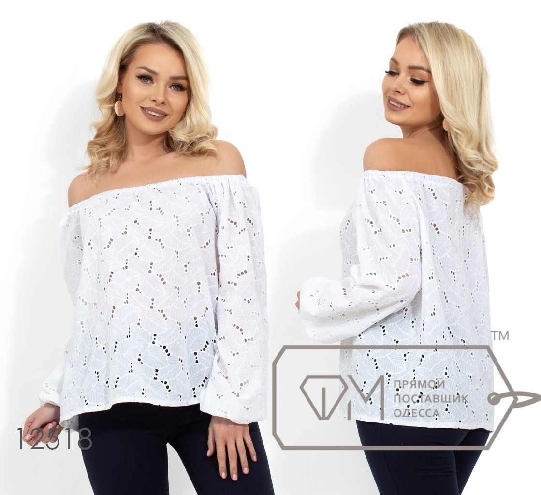 Блуза прямого кроя из ткани прошва с открытыми плечами и рукавами-фонарик на резинке (просвечивается) 12518