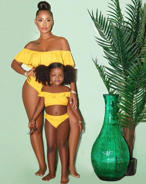 Женский  раздельный купальник желтый с рюшами высокая талия