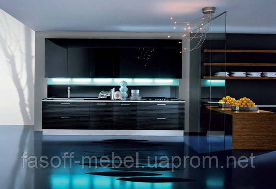 Черная кухня с 3D глянцевыми фасадами