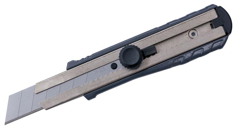 Нож 25мм сегментированое лезвие 195мм серия Fat Max литой корпус, автоблокировка  STANLEY 0-10-431