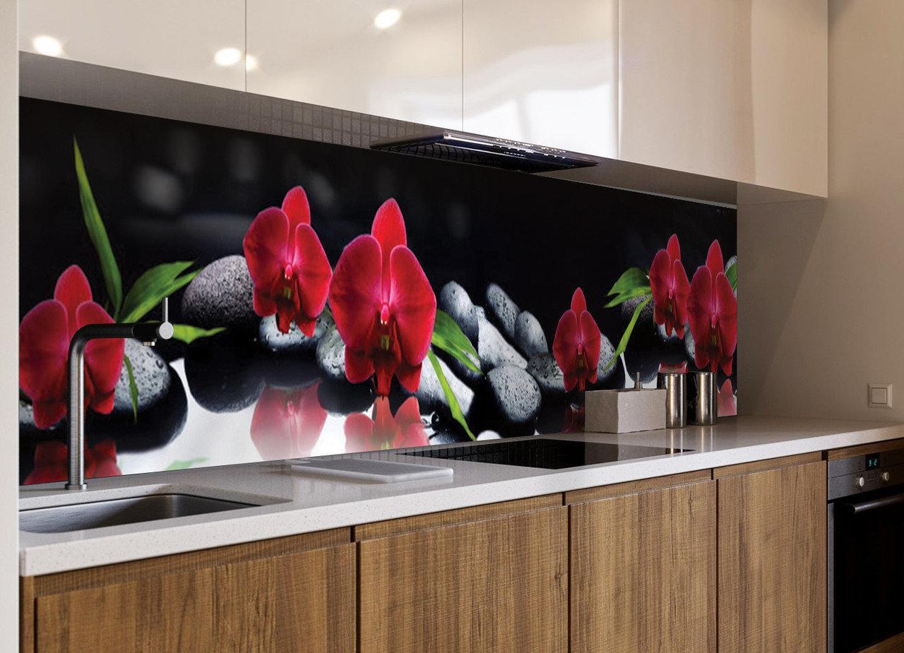 Кухонный фартук Алая Орхидея (черные камни, орхидеи, темный, наклейка на стеновую панель кухни, цветы)600*2500 мм