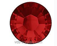 Камни Swarovski клеевые горячей фиксации 2038 Light Siam F (227) 30ss