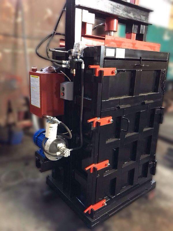 Прес для вторсировини Геркулес на 16 тонн на 4 кВт. Прес для макулатури