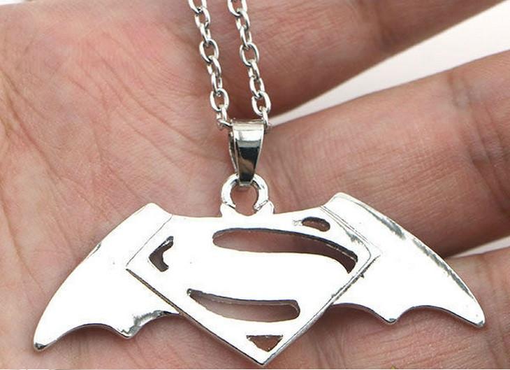 Кулон GeekLand Бэтмен против Супермэна Batman v Superman BN10.003