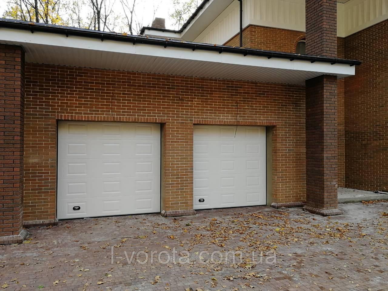 Секционные гаражные ворота DoorHan ш3000мм, в2500мм (дизайн филенка)